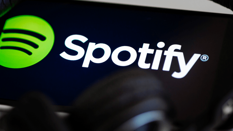 good news for spotify users now spotify started showing realtime lyrics